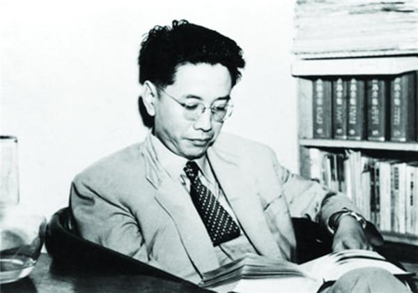 华岗与《共产党宣言》