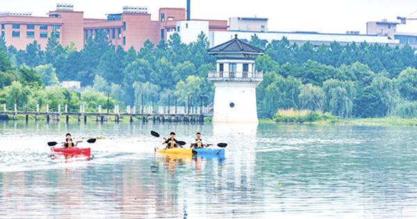渔歌小镇成立皮划艇俱乐部