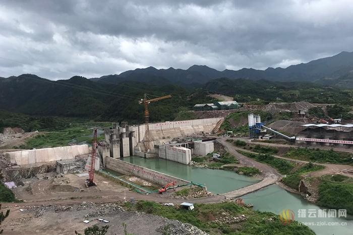 在建潜明水库 迎来第一次台风考验