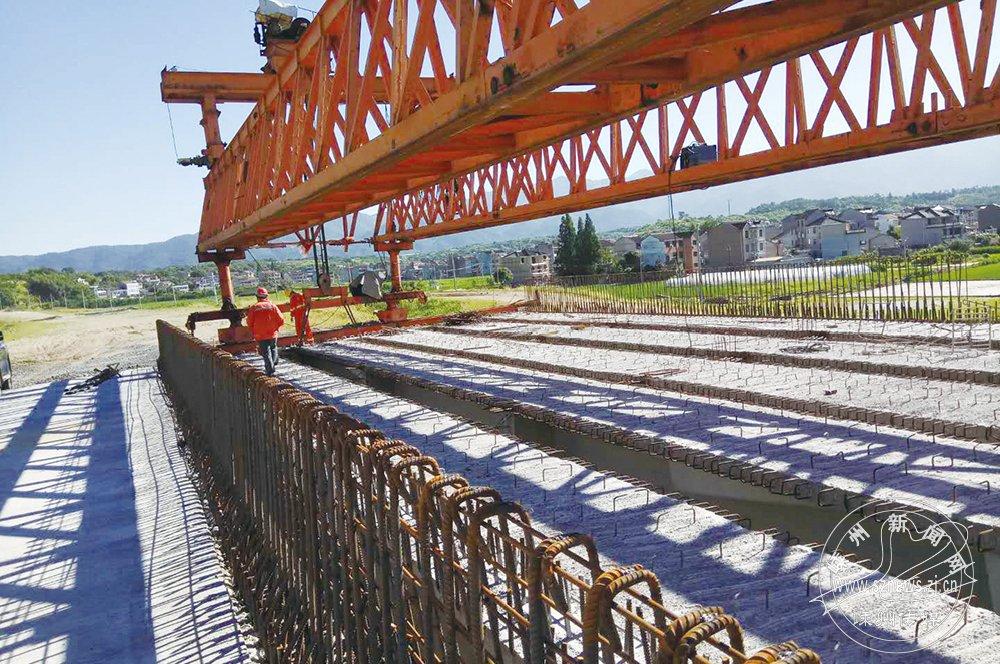 527国道黄泽江大桥全线贯通