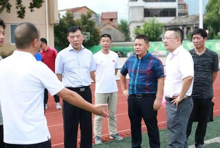 夏海伟:构建标准化、全方位足球发展体系