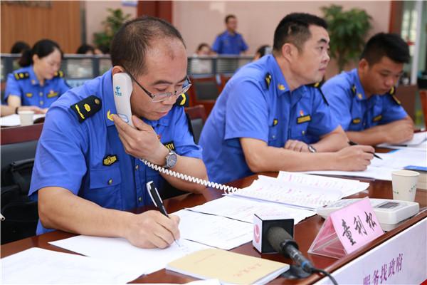 """龙游县综合执法一把手""""话务员""""带队上岗"""