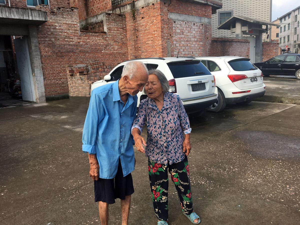 """相濡以沐牵手75个""""七夕"""",东阳这对夫妻演绎不老爱情故事"""