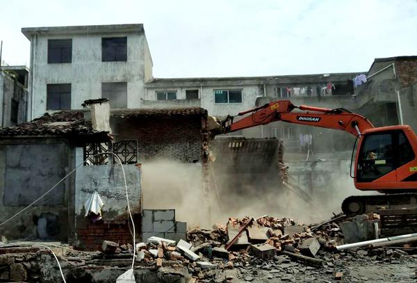 坎门:以拆开路 继续推动老旧工业区改造提升
