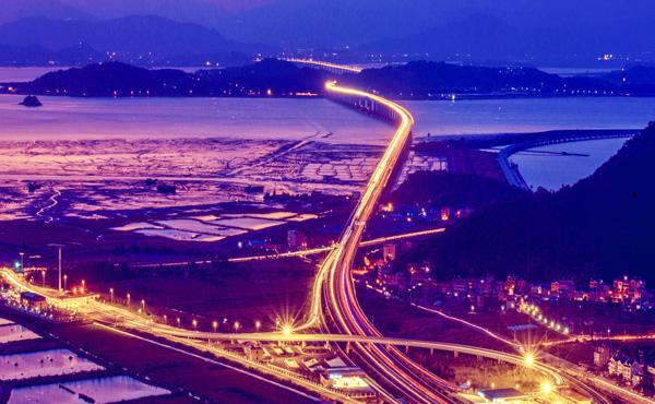 乐清湾大桥通车 流光溢彩风景靓
