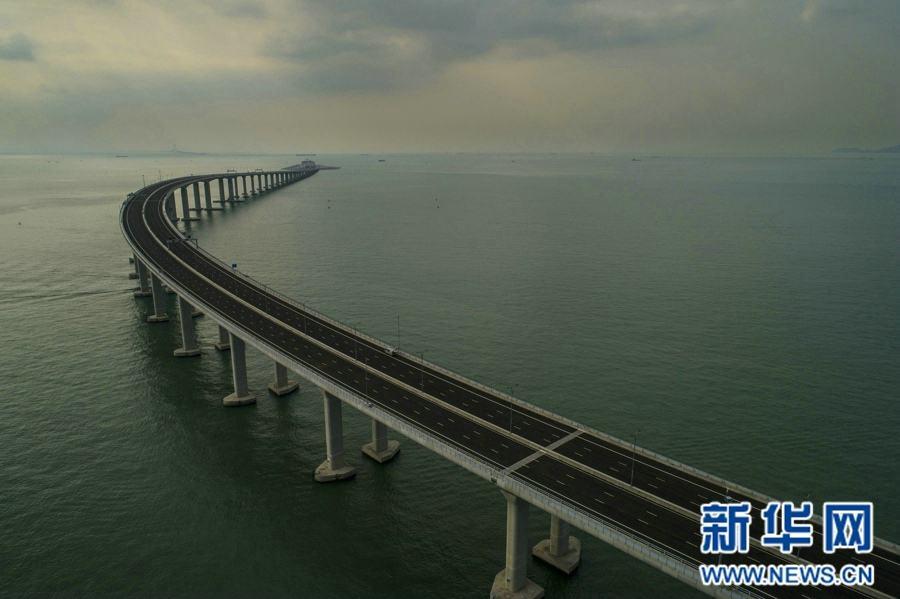 习近平宣布:港珠澳大桥正式开通