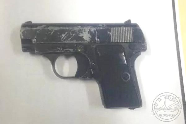 男子拿玩具枪恐吓被拘四日