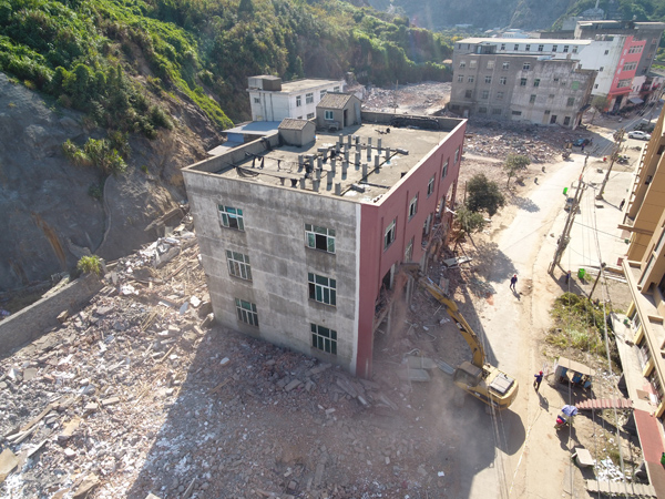 坎门:强势攻坚 推进老旧工业点改造不停歇