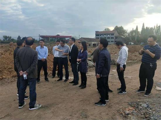 副市长丁贵来我镇督查农村土地综合整治项目