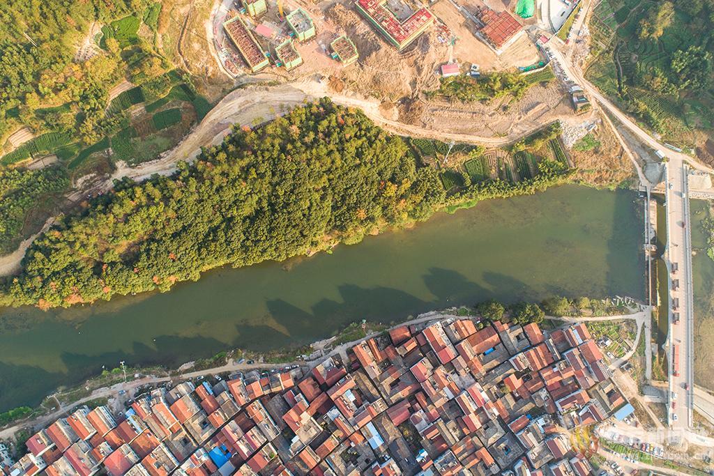 绿道三期名山桥至周村大桥段建设顺利推进