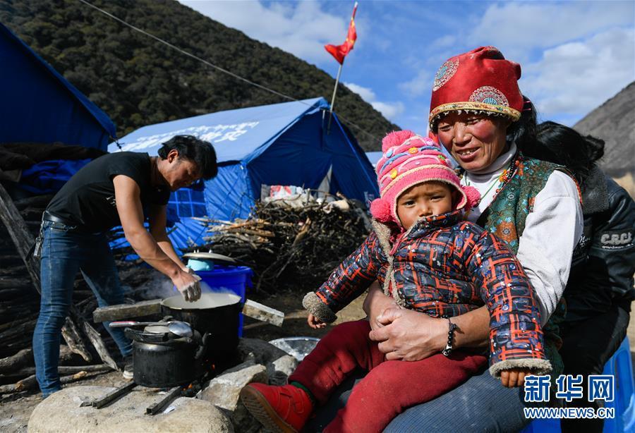 生活物资供应充足 群众安全有保障――西藏金沙江堰塞湖安置点见闻