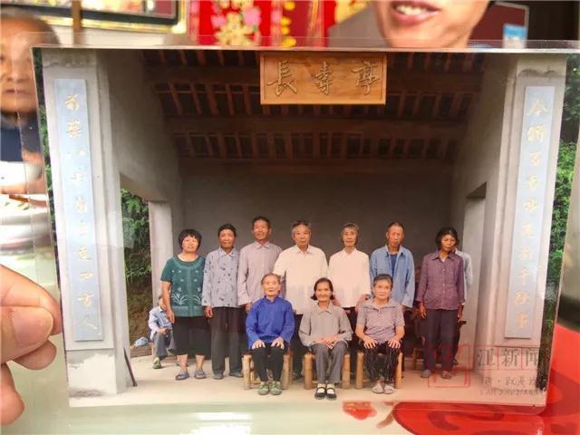 江山老人80大寿不摆宴,却为何用省下的钱造了这么一个亭?