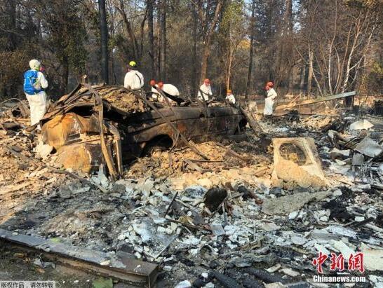 美国加州致命山火已致逾900人失踪