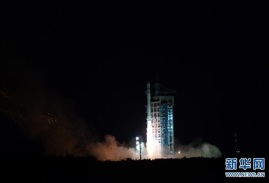 我国成功发射试验六号卫星 搭载发射4颗微纳卫星