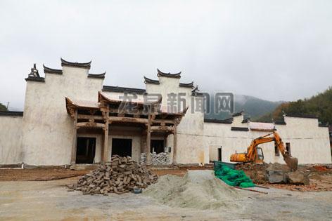 上��镇源底村田园综合体项目配套设施服务中心加快建设进度