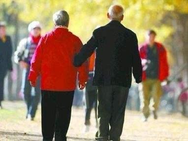 2022年中国再迎老年人口增长高峰