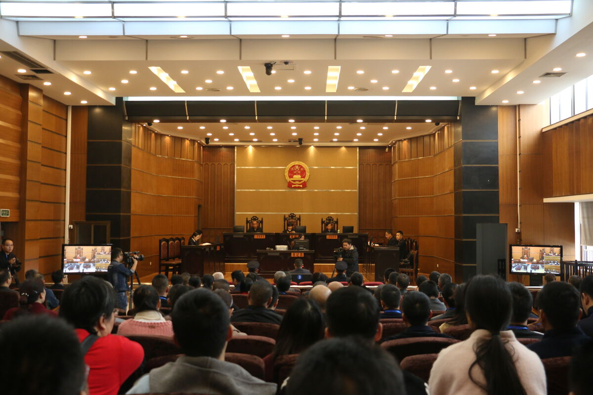 云和县开展专题教育旁听庭审活动