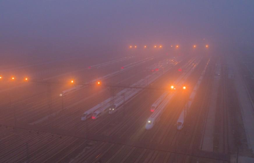 穿越雾霾,高铁为何依然干净如新的奥秘
