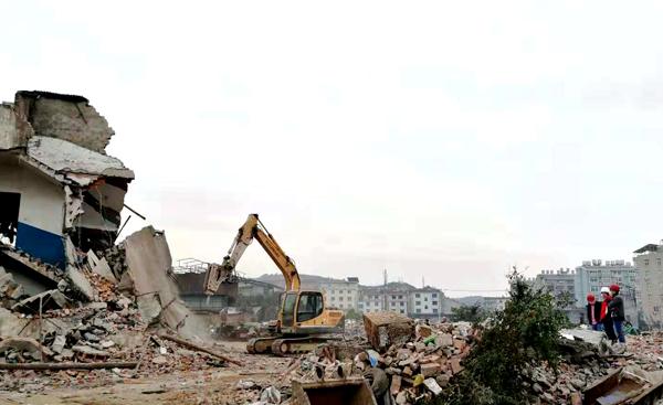 市城建集团:拆除老破旧,打造新面貌