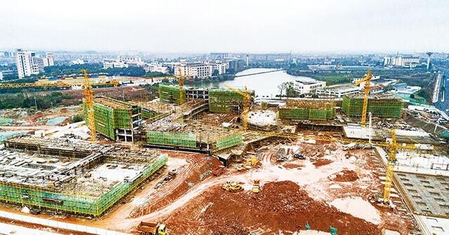 光南中学主楼工程结顶