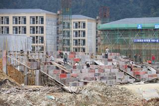 菊隆中学迁建工程项目推进