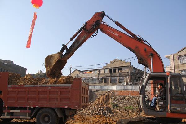 大麦屿:岗仔头村环峰小区城中村改造一期工程动工