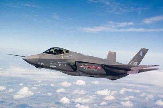 韩采购的两架F-35战机3月下旬运抵首尔