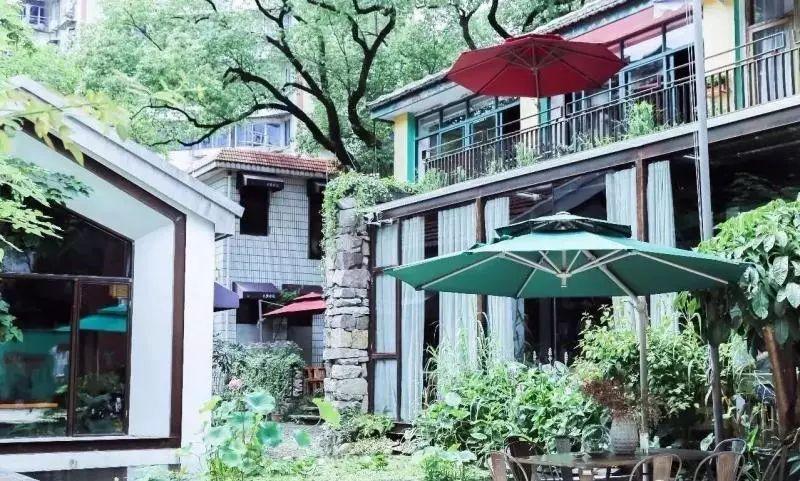 曾废弃的老宁波三幼 如今被爆改成这样一个美丽庭院