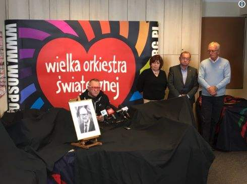 波兰市长遇刺身亡 总统再遇死亡威胁