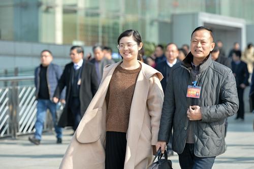 1月17日,县政协九届三次会议圆满完成各项议程