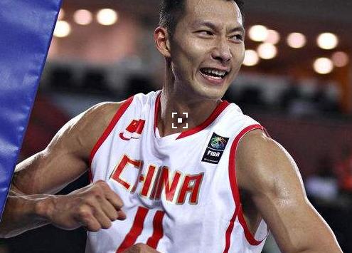 李楠:易建联依然是新一届国家队的核心