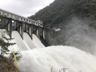 兰溪桥水库泄洪放水