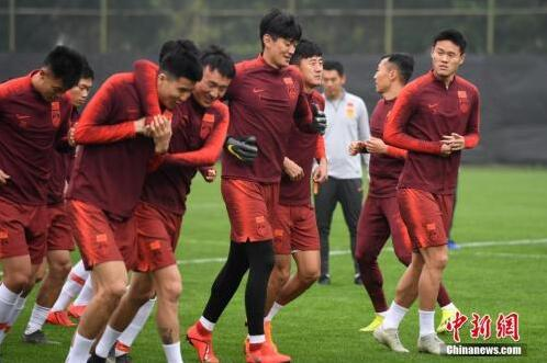 新一届国足中国杯扬帆起航 卡纳瓦罗能否通过考验?