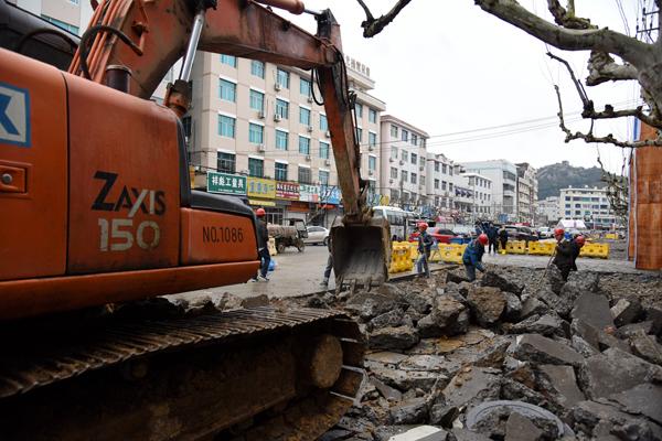 楚门镇楚柚路开始半幅封闭施工,建议错峰出行或绕行
