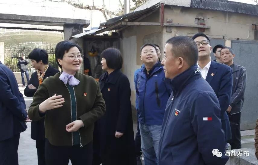 县委书记走进农贸市场、居民小区等地督查文明创建