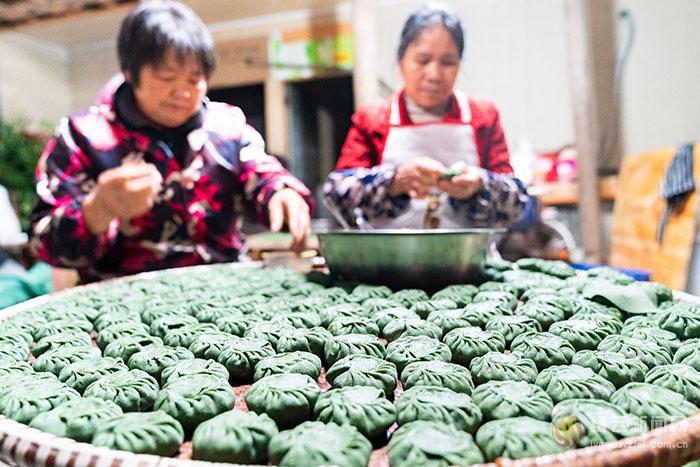 年年艾草绿 清明粿泛香