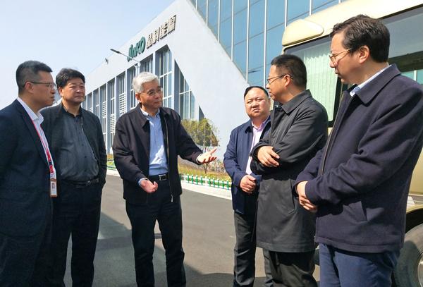 """省能源局局长蔡刚带队在玉开展""""三服务""""活动"""