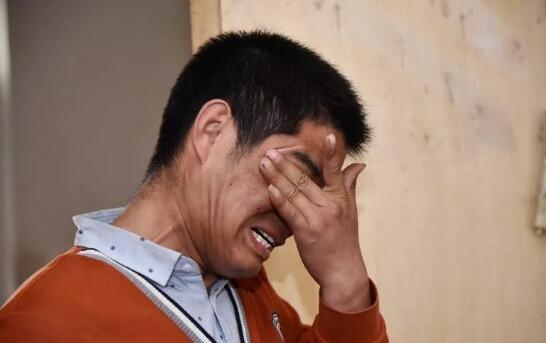 """四年爱心接力 让流动摊贩""""不流浪"""""""