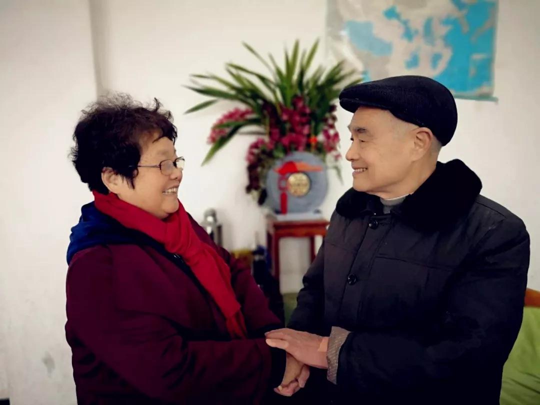 """九旬老人通過""""支教奶奶""""向溆浦捐建5所希望小學"""