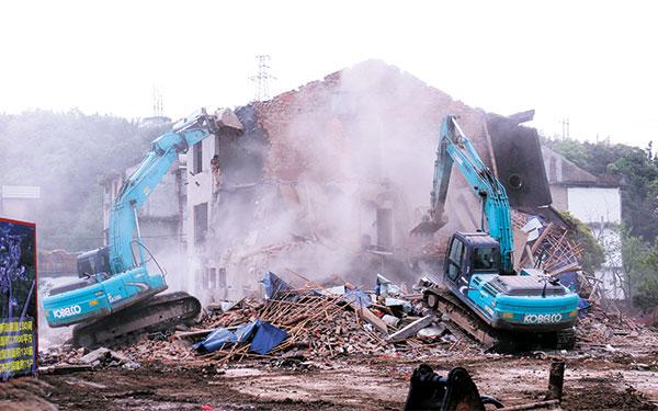 江南街道章家溪村旧村强势推进全域土地综合整治工作