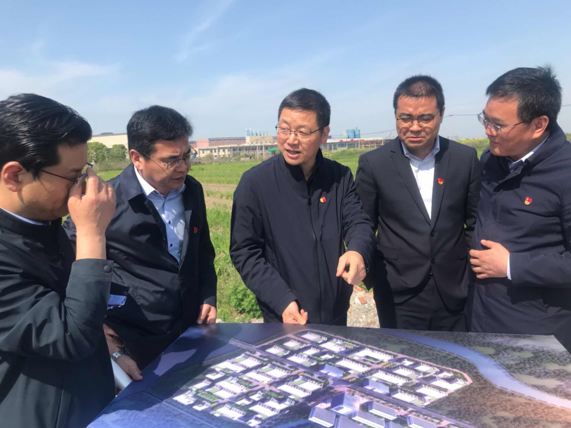 """徐鸣阳赴干窑镇开展""""三服务""""活动"""