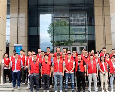 """团县委组织开展""""青春助力巩固国卫创建成果 """"活动"""
