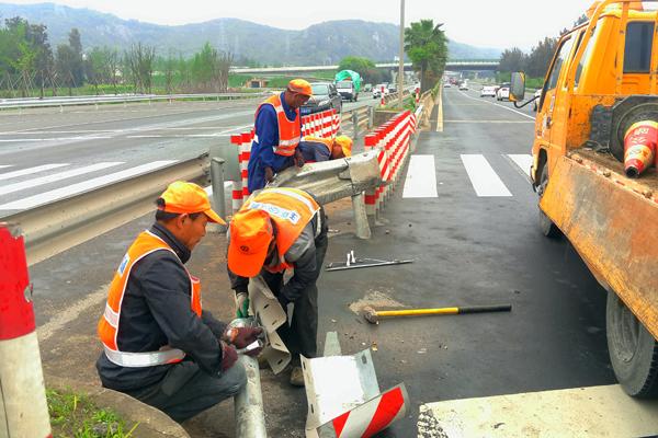 玉环:守护公路安全第一线