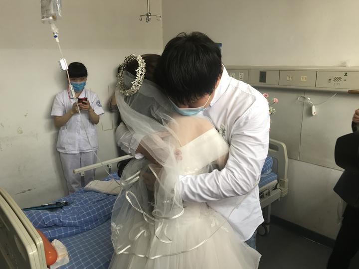 """追踪︱骨髓配型成功!宁波""""病房新娘""""迎来生的希望"""
