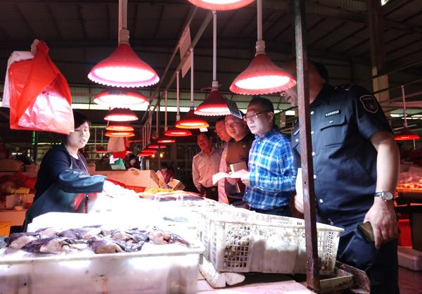 大麦屿:开展伏季休渔菜市场专项宣传