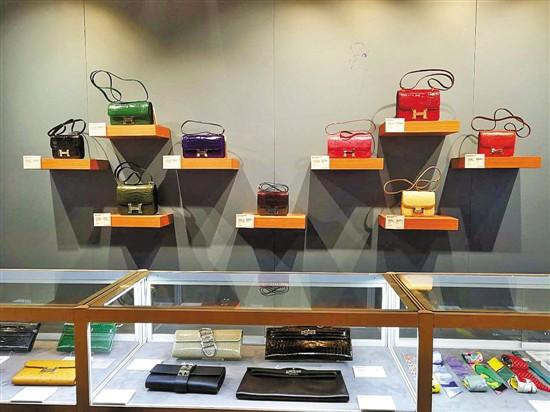 手袋收藏:怎样才能成为二手市场的热门