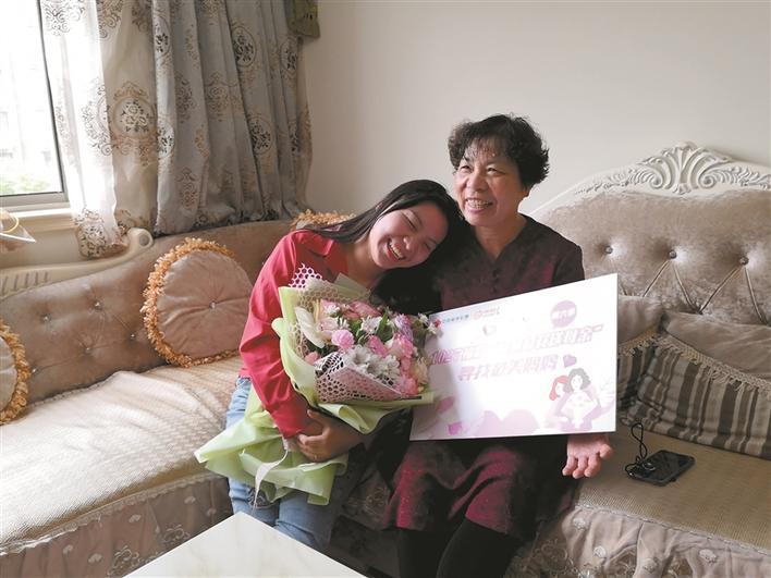 """臺州尋找""""最美媽媽"""" 愛心不論年齡"""