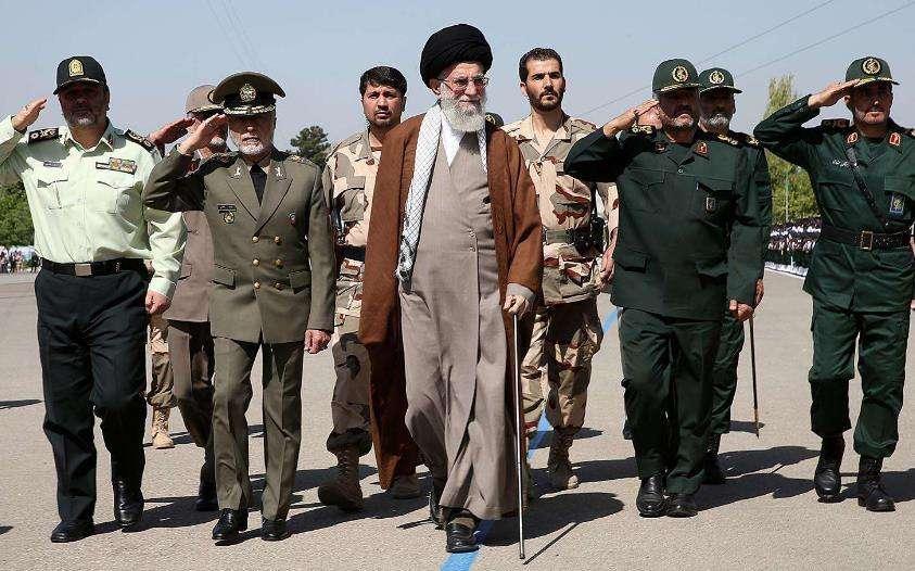 """伊朗高官将美军视为打击""""目标"""" 美将适当反应"""