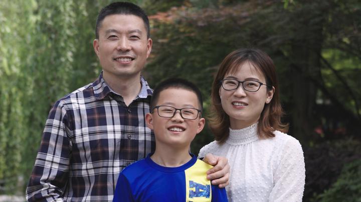 """爱,无国界——记2018年浙江""""最美家庭""""陆允平一家"""
