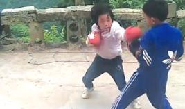 """厉害了!这个""""小汤圆""""会打拳击"""
